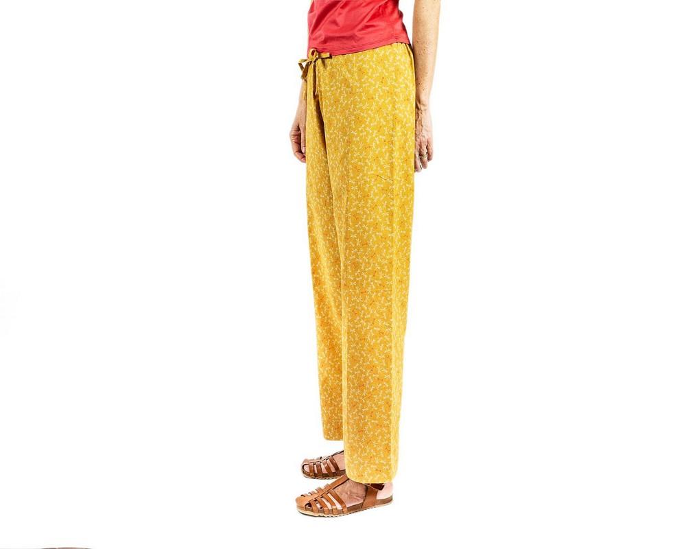 Pantaloni con coulisse di cotone giapponese ocra con piccole libellule bianche e corallo