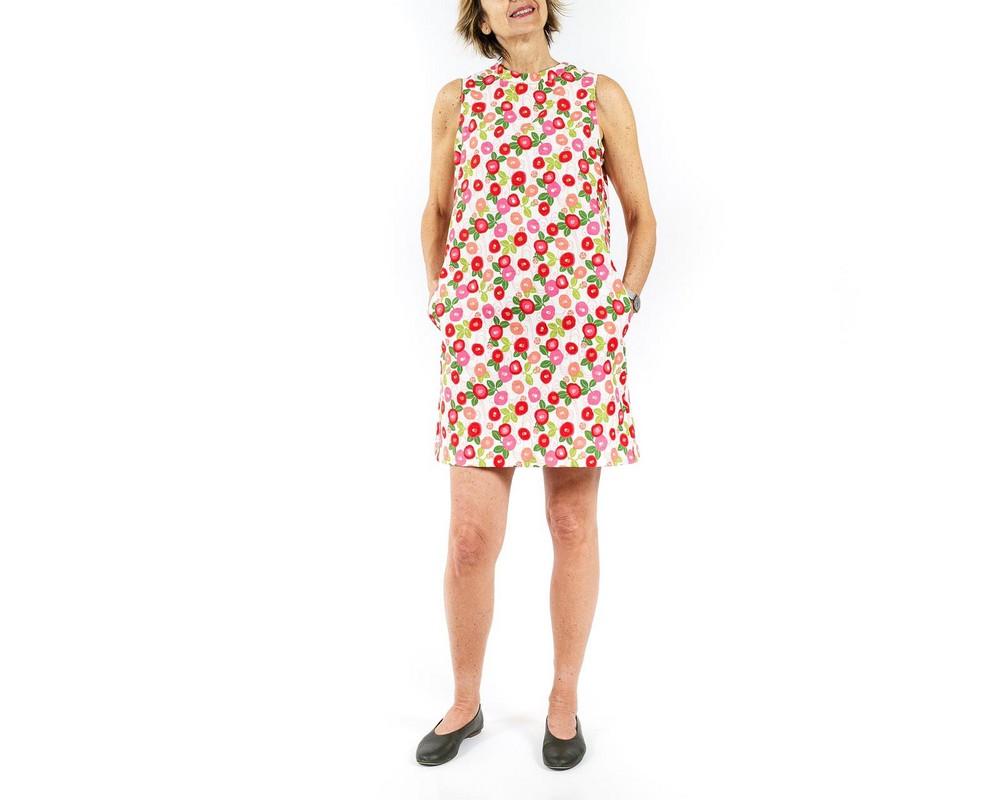 vestito senza maniche con collo ad anello e linea svasata con tasche: cotone giapponese ecru con peonie rosa